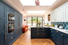 Dulwich Kitchen — Herringbone Kitchens Kitchen Banquette, Kitchen Nook, Home Decor Kitchen, Home Kitchens, Kitchen Ideas, Kitchen Unit, Kitchen Cabinets, Dream Kitchens, Kitchen Interior