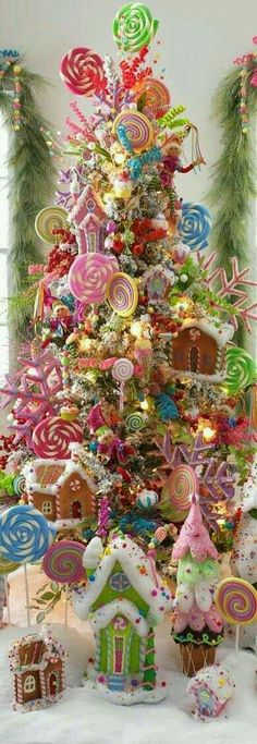 A Candy-land Christmas Tree! Candy Land Christmas, Noel Christmas, Pink Christmas, Beautiful Christmas, Winter Christmas, Christmas Wreaths, Magical Christmas, Christmas Gingerbread, Gingerbread Houses