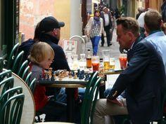 chess players in Nice @FibiTee #Nice06