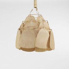 ingo maurer, uchiwa(= éventail) fan chandelier, c. 1970 bamboo, paper, brass (=laiton).