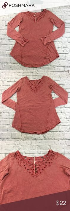 Free People Eyelet Top Free People Top T-shirt Womens Size L Red manufacture faded Eyelet Cuff V Neck Long Sleeve Cotton. Good preowned Condition minor signs of wear. See pictures for measurements. Free People Tops
