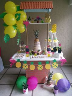 Decoración de piñas y flamingos Cake, Desserts, Food, Meet, Fiestas, Pie Cake, Meal, Cakes, Deserts