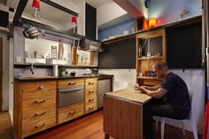 Steve Sauer transformed a 182 square foot basement condo into a tiny home that's perfect for his lifestyle. See more at http://humble-homes.com/182-square-foot-condo-cosy-home-seattle/
