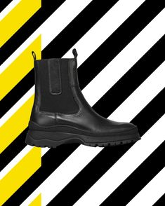 The cool rainy days arrived!😎 #rockstyle #readytorock #wearechanging #eurekashoes #madeinportugal #handmadeshoes #fashionisfun #stylegoals #localhandmade #black #backboots