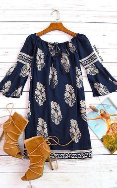 Gorgeous dress. Lightweight and flattering!