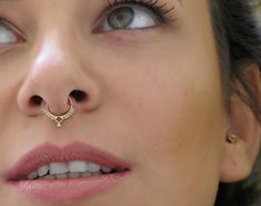 Do septum piercing hurt? How long does septum piercing take to heal? Explore more on the new septum piercing, the aftercare, cleaning, healing time and the pain associated with septum … Septum Ring, Septum Piercings, Septum Jewelry, Piercing Tattoo, Tragus, Body Piercing, Body Jewelry, Piercing Ring, Bling Bling