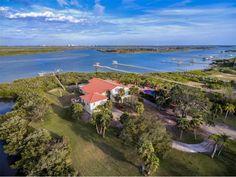 Idyllic Estate on Scenic Riverside Drive | 621 N. Riverside Drive, Edgewater FL | Presented by Joyce Marsh | Premier Sotheby's International Realty | 386.299.8291 #SothebysRealty