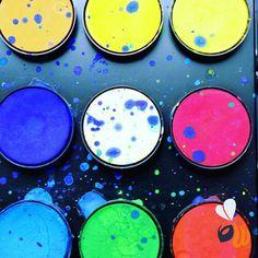 Colori colori colori. #colors #colours #colore #colori #pantone #scelta #choice #design #designer #work #project #team #agency #agencylife #web #website #picoftheday #bestoftheday #photooftheday #milan #milano #womboit