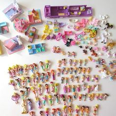 Polly Pocket (2 styles), Mimi and the Goo-goos, and knock off Polly Pockets! Yes, I am pro enough to notice the knock offs....because I had some of them! :p