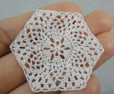 Miniature crochet hexagonal doily 1:12 dollhouse by MiniGio