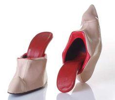 Google Afbeeldingen resultaat voor http://www.shoeperwoman.com/wp-content/uploads/2010/10/tounge-shoes.jpg