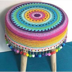 Hiç Görmediğiniz 50 Yeni Örgü Modelleri Best Picture For Crochet flowers For Your Taste You are looking for something, and it is going to tell. Love Knitting, Knitting Patterns, Crochet Patterns, Crochet Home, Easy Crochet, Knit Crochet, Form Crochet, Stool Cover Crochet, Stool Covers