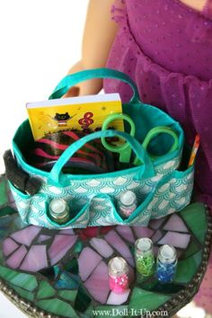 Make a duct tape craft bag for dolls-1