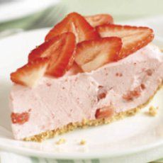 Weight Watchers Strawberry Pie.  SERIOUSLY 55 calories??? 11 carbs???  WOW~!!
