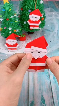 Christmas Origami, Christmas Paper Crafts, Holiday Crafts, Christmas Diy, Santa Crafts, Handmade Christmas Decorations, Merry Christmas, Diy Crafts Hacks, Diy Crafts For Gifts