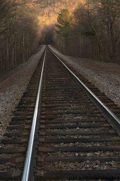 línea de comunicación ferrea Train Tattoo, Old Steam Train, Pennsylvania Railroad, Train Times, Best Background Images, Ferrat, Explore Travel, Train Tracks, Aesthetic Backgrounds