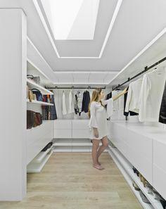 Gallery of Lopera House / David Ruiz Molina - 7 - Trend Home Wardrobe Design Bedroom, Master Bedroom Closet, Bedroom Wardrobe, Wardrobe Closet, Dressing Room Closet, Dressing Room Design, Walk In Closet Design, Closet Designs, Closet Vanity