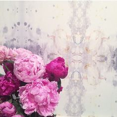 A detail of our Roman Ram wallpaper and peonies! Reposted from @firstpreiser  I think from the house where that kitchen scene in @scandalabc was shot??? #eskayelwallpaper #eskayel #peonies