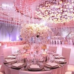 EYE CANDY ALERT! 15 of the most amazing jaw-dropping ballrooms around, you'll be swooning for hours! (Via MOD Wedding)
