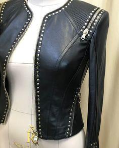 "1,832 Likes, 139 Comments - Katerina Kovalevska (@kkovalevska) on Instagram: ""Вот и готова кожаная куртка. Это для любителей золота))манекены все большие, поэтому натянула…"""