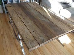 Table ronde 33 en bois de grange fabriqu e par la boite pin fini l - Fabriquer table bois ...