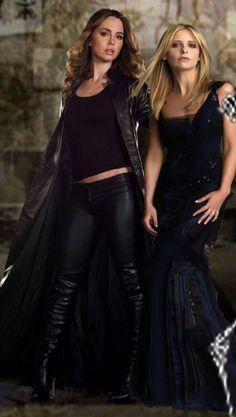 Buffy and Faith badass women Eliza Dushku, Joss Whedon, Sarah Michelle Gellar Buffy, Lexa E Clarke, Rebecca Gayheart, Buffy Summers, Buffy The Vampire Slayer, Just Girl Things, Celebs