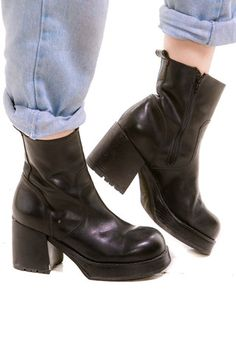 cf13e139e52 Vintage 90 s Steve Madden Chunky Boots - US 9 Vintage Shoes