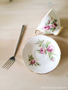 Floating tea cup tutorial. | The dainty dress diaries