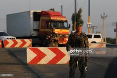 01-23 National guard soldiers handle the traffic on the... #kherson: 01-23 National guard soldiers handle the traffic on the… #kherson