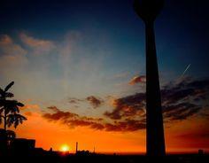 """Gefällt 85 Mal, 2 Kommentare - iv (@ivanapaul) auf Instagram: """"#düsseldorf #sunset #sundown #sonnenuntergang #duesseldorf #rhinetower #rheinturm #medienhafen…"""""""