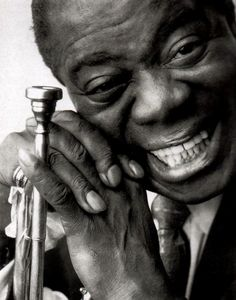 Louis Armstrong spent his career - in New Orleans as a musician and singer. Armstrong was a foundational influence in Jazz and culture. Louis Armstrong, Jazz Artists, Jazz Musicians, Music Artists, Marlon Brando, Nova Orleans, Catherine Deneuve, Photo Portrait, Miles Davis