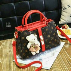 06e8ad8990ee1 Fashion Teddy Edisi Mono178DN  3ruang Bahan waterproof Kualitas Semi Premium  uk 29x20x14 Ready 4 wrna   Black   Red   Maroon   Beige Berat 0.9kg