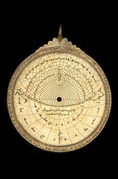 The zodiac on the rete is labelled: الحمل , الثور , الجوزا , السرطان , الاسد , السنبله , الميزان , العقرب , القوس , الجدي , الدلو , الحوت .  Date:1068 (A.H. 460). Maker:Ibrahīm ibn Sa'īd as-Sahlī. Place:Toledo. MaterialBrass. Astrolabe Catalogue Inventory no.55331