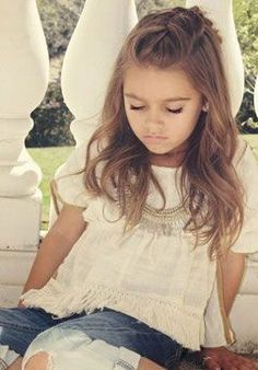 Little girls hairstyles More School Picture Hairstyles, Girls School Hairstyles, Flower Girl Hairstyles, Braided Hairstyles, Toddler Hairstyles, Hairstyles Haircuts, Ladies Hairstyles, Teenage Hairstyles, Fashion Hairstyles