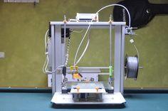 Impresora fabricada por Antonio Pineda con la ayuda de fablab sevilla