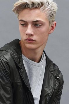 {FC Lucky Smith} Hey, I'm Lucky. No, not as in I have lots of luck but my name is actually Lucky. I'm 18 years. Although I may seem super quiet at first glance, I'm really not that boring. Well, at least I don't think I am. Anyways, all that I really do is draw and read...