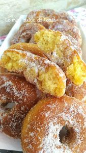 Ideas que mejoran tu vida Haydee Donut Recipes, Mexican Food Recipes, Sweet Recipes, Cake Recipes, Dessert Recipes, Cooking Recipes, Spanish Desserts, Sweet Dough, Delicious Donuts