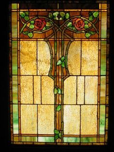 Stained glass window in a 1904 Craftsman-style house (Kinney Heights, Los Angeles, California). Stained Glass Flowers, Stained Glass Designs, Stained Glass Panels, Stained Glass Projects, Stained Glass Patterns, Leaded Glass, Stained Glass Art, Mosaic Glass, Fused Glass