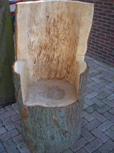 Log chair Outdoor Wood Furniture, Outside Furniture, Log Furniture, Log Chairs, Log Stools, King Chair, Got Wood, Chainsaw Carvings, Wood Creations