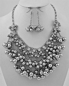 I want this necklace now.