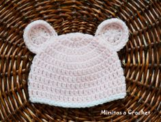 Gorrito orejitas rosa bebé lana acrílica 001http://mimitosacrochet.com/2013/12/30/gorrito-con-orejas-a-crochet/