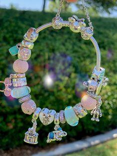 Disney Pandora Bracelet, Disney Jewelry, Pandora Bracelets, Pandora Jewelry, Charm Bracelets, Cute Jewelry, Charm Jewelry, Jewelry Accessories, Jewelry Design