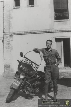 Riding Vintage article on the US Military Police astride their Harley-Davidson M. Riding Vintage article on the US Military Police astride their Harley-Davidson Motorcycles. Military Police Army, Military Memes, Military Personnel, Military History, Us Army, Military Vehicles, Police Vehicles, Harley Davidson Wla, Harley Davidson Motorcycles
