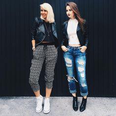 """""""muito preto e branco e um toque de jeans nos looks confy de sexta. estamos loucas por um friozinho e looks com mais camadas, quem mais? #stylemood"""""""
