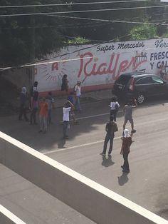 Normalistas vandalizan oficinas de la OCC en Chiapas http://noticiasdechiapas.com.mx/nota.php?id=85853 …
