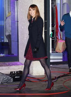 How To Wear Black Tights Outfits Legs Ideas Nylons, Pantyhose Outfits, Black Opaque Tights, Black Pantyhose, Black Tights Outfit, Celebrities In Stockings, Pantyhosed Legs, Alex Jones, Sexy Legs And Heels