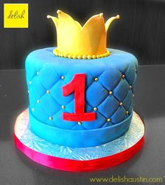 a cake fit for a king...or a lil prince!