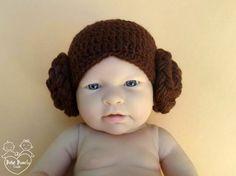 """Touca em crochê """"Princesa LEIA"""" - Ideia divertida inspirada na personagem do filme Guerra nas Estrelas - Fotos em estúdio com recém-nascidos (Newborn)"""