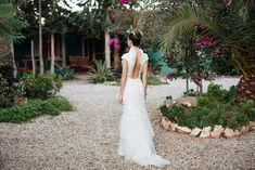 openback wedding dress by Constance Fournier 2018 Constance, Royal Clothing, Tea Length, Vintage Dresses, Off The Shoulder, Marie, Ball Gowns, Backless, Tulle