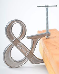 The Adjustable Clampersand Bookend